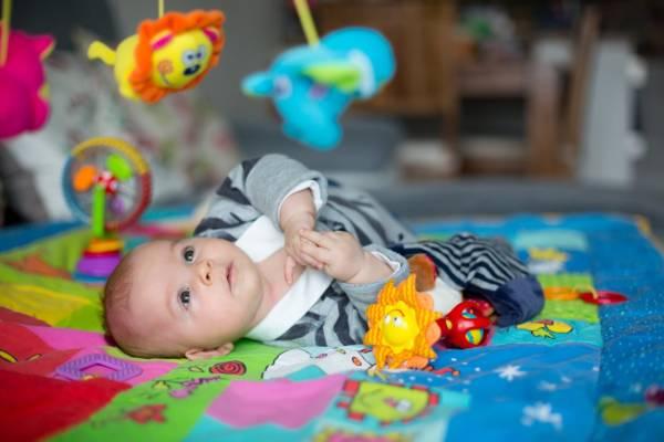 tapis d'éveil pour bébé
